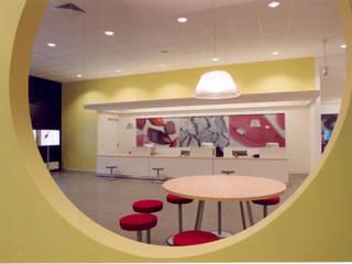 SERPİCİ's Mimarlık ve İç Mimarlık Architecture and INTERIOR DESIGN Negozi & Locali commerciali moderni PVC Giallo