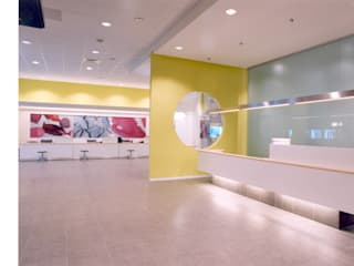 SERPİCİ's Mimarlık ve İç Mimarlık Architecture and INTERIOR DESIGN Kantor & Toko Modern Komposit Kayu-Plastik White