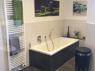 LifeStyle Bäderstudio Modern style bathrooms