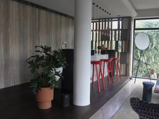 NATALIA JIMENEZ - INTERIOR DESIGN STUDIO オリジナルデザインの キッチン