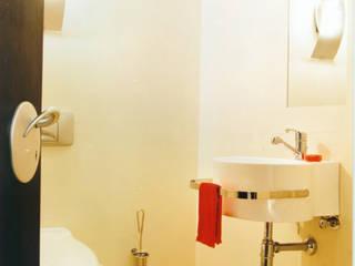 SERPİCİ's Mimarlık ve İç Mimarlık Architecture and INTERIOR DESIGN BathroomDecoration Komposit Kayu-Plastik White