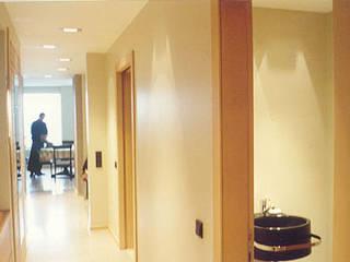 SERPİCİ's Mimarlık ve İç Mimarlık Architecture and INTERIOR DESIGN Ingresso, Corridoio & ScaleAccessori & Decorazioni PVC Effetto legno