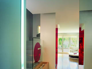 SERPİCİ's Mimarlık ve İç Mimarlık Architecture and INTERIOR DESIGN Corridor, hallway & stairsAccessories & decoration Komposit Kayu-Plastik Multicolored
