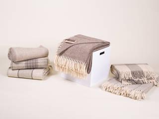 Mantas de alta qualidade - lã 100% natural: Quartos  por CRIVART - Genuine Soul, LDA,Escandinavo