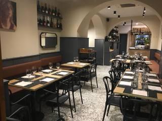 """Restyling del ristorante """"Boccon Divino"""" a Chiavari (GE) Negozi & Locali commerciali in stile classico di Manrico Mazzoli Architetto Classico"""