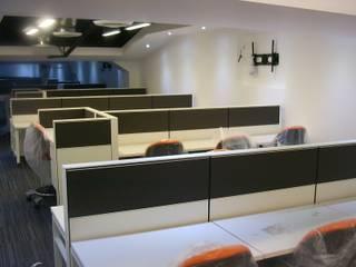 Espacio Parametrico Ruang Studi/Kantor Modern