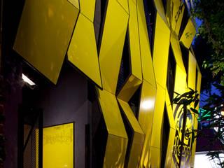 Boutique de Arquitectura ¨Querétaro [Sonotectura+Refaccionaria] Кухня в стиле модерн Алюминий / Цинк Эффект древесины