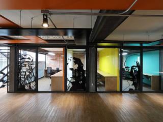Boutique de Arquitectura ¨Querétaro [Sonotectura+Refaccionaria] Рабочий кабинет в стиле модерн Кирпичи Эффект древесины