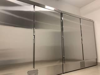 2 больших холодильника для шуб в Сколково. Вместимость 24 шубы. от Beauty&Cold Минимализм