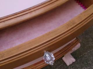 El antes y despúes de esta hermosa mesita de luz Ofelia estilo Chippendale de Valeria Pires Interiorismo