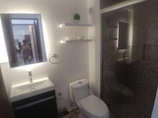 Salle de bain minimaliste par Alejandra Espinosa Minimaliste