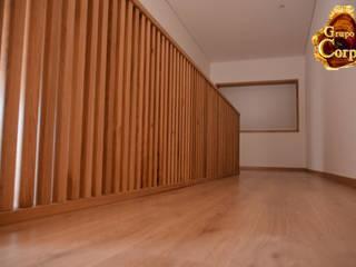 Grupo Corpe® Pasillos, vestíbulos y escaleras modernos