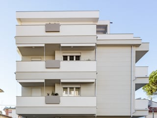 Nuovi appartamenti situati nel centro di Empoli con infissi in PVC contrassegnati TURRI SERRAMENTI di Turri Serramenti Srl Moderno