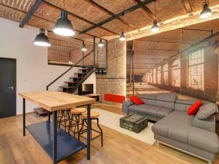 Ruang Keluarga Gaya Industrial Oleh Goodroom Harmony Industrial
