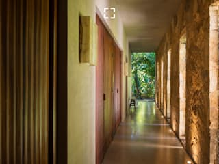 Tropical style hotels by Arcencielstudio Tropical