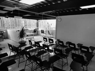 Liceo Escoffier Instituto Gastronomico Estudios y despachos industriales de PETRAM ARQUITECTURA Industrial