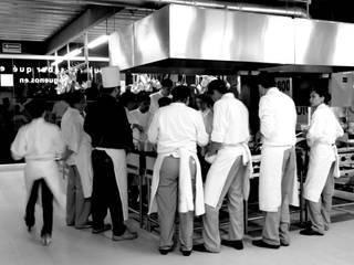 Liceo Escoffier Instituto Gastronomico de PETRAM ARQUITECTURA Industrial Hierro/Acero