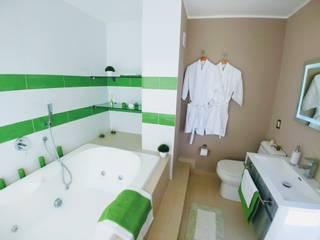 Salle de bain moderne par Alejandra Espinosa Moderne