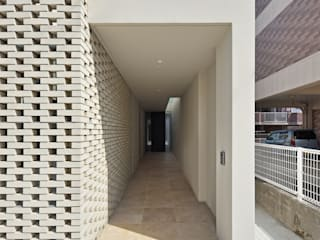 de 仲間郁代建築設計事務所株式会社(英名:IKUYO NAKAMA ARCHITECT & ASSOCIATES) Moderno