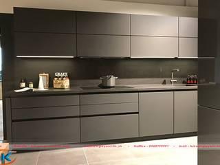 Cách kết hợp màu sắc cho tủ bếp màu ghi lịch lãm, hiện đại bởi Nội thất Nguyễn Kim
