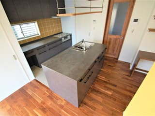 Modern kitchen by Home Plan Kiyotake 一級建築士事務所 ㈱清武建設 Modern