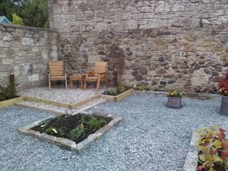 Garden designers and landscape gardeners for Edinburgh by Colinton Gardening Services - garden landscaping for Edinburgh Minimalist