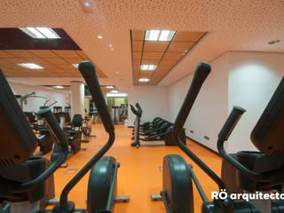 AMPLIACION CENTRO DEPORTIVO TAMARACEITE RÖ | ARQUITECTOS Estadios de estilo moderno