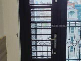 台北市新生北路陽台外推增設欄杆.推窗改通風門 正邦建材實業有限公司 客廳