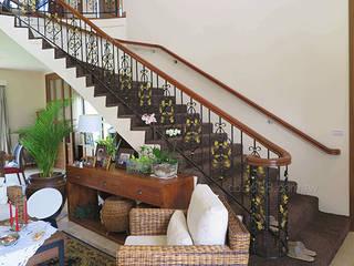 樓梯扶手/陽台欄杆/遮雨棚.採光罩專業規劃施工 正邦建材實業有限公司 玄關、走廊與階梯階梯