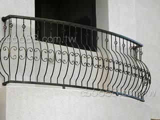 樓梯扶手/陽台欄杆/遮雨棚.採光罩專業規劃施工 正邦建材實業有限公司 陽台、門廊與露臺 家具