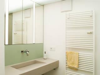 Reduziert + Elegant Moderne Badezimmer von Dielen Innenarchitekten Modern
