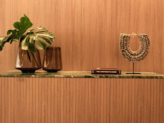 Apartamento TR - Edifício Edgar Wegner Salas de estar minimalistas por Plurale Arquitetura Minimalista
