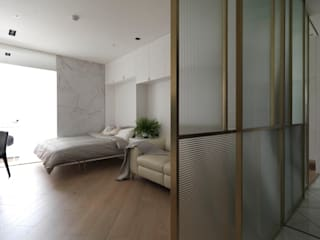 Salones modernos de 木皆空間設計 Moderno