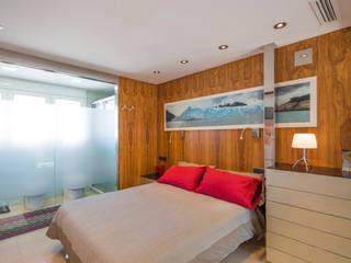 Barreres del Mundo Architects. Arquitectos e interioristas en Valencia. Small bedroom Wood Brown