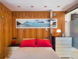 Phòng ngủ phong cách tối giản bởi Barreres del Mundo Architects. Arquitectos e interioristas en Valencia. Tối giản