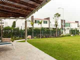 Boceto Arquitectos Paisajistas Balcones y terrazas de estilo moderno