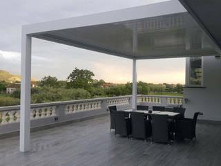 Nowoczesny balkon, taras i weranda od RGM srl Nowoczesny