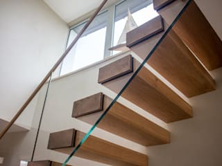 Floating Oak & Glass Staircase by Camel Glass Modern