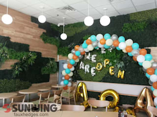 Fire-retardant Artificial green walls Ruang Komersial Modern Oleh Sunwing Industries Ltd Modern