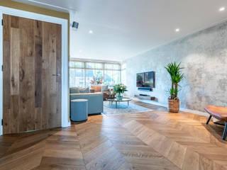 Salon classique par STOX Vloeren & Keukens Classique