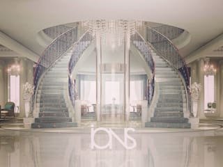 Hollywood Regency in Home Interior Design Colonial style corridor, hallway& stairs by IONS DESIGN Colonial