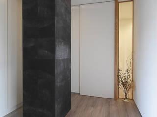 北堀の家 モダンスタイルの 玄関&廊下&階段 の 熊倉建築設計事務所 モダン