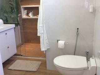 Banheiro em apartamento antigo Banheiros modernos por SFA BRASIL EQUIPAMENTOS SANITÁRIOS Moderno