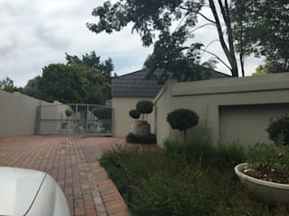 Fourways Gardens -House upgrade: modern  by Allison's drawing office -Pat Armstrong, Modern