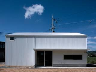 Maisons minimalistes par ニュートラル建築設計事務所 Minimaliste