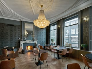 Espaços gastronômicos clássicos por SMEELE Ontwerpt & Realiseert Clássico