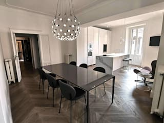 ristrutturazione appartamento in palazzo d'epoca centro storico Sala da pranzo in stile classico di Valeria Sdraiati Classico