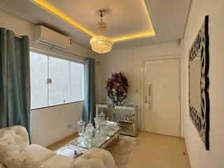 Apartamento decorado Salas de estar clássicas por Monteiro arquitetura e interiores Clássico