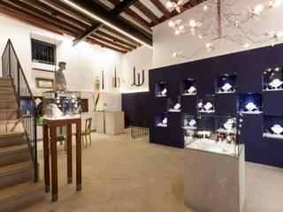 REFORMA LOCAL JOYERIA Salones de estilo minimalista de FOCUS Arquitectura Minimalista