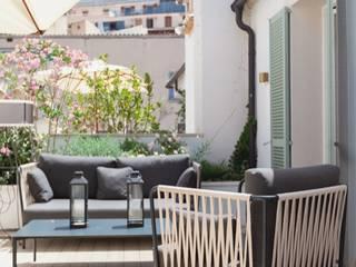 Balcones y terrazas clásicos de FOCUS Arquitectura Clásico